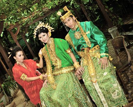 Pakaian Adat Tradisional Sulawesi Selatan   Beragam ...